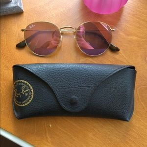 Pink ray ban sunglasses!! Cute for summer